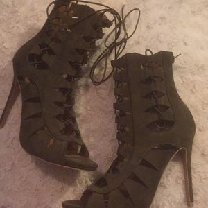 Size 8.5 brand new never worn shoes!